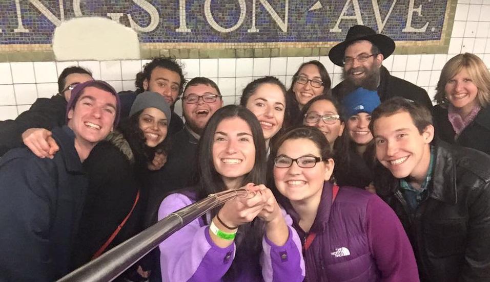 NYCShabbatonSubway2015